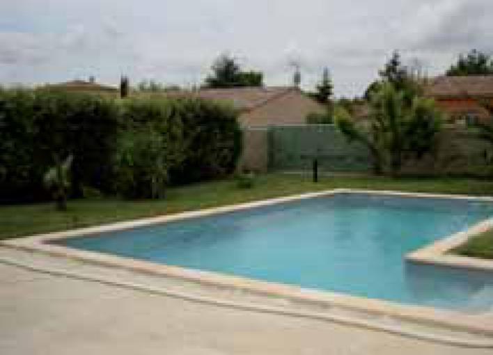 Ozeo piscine aubagne for Constructeur piscine